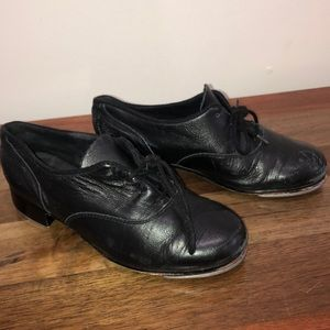 black BLOCH tap shoes